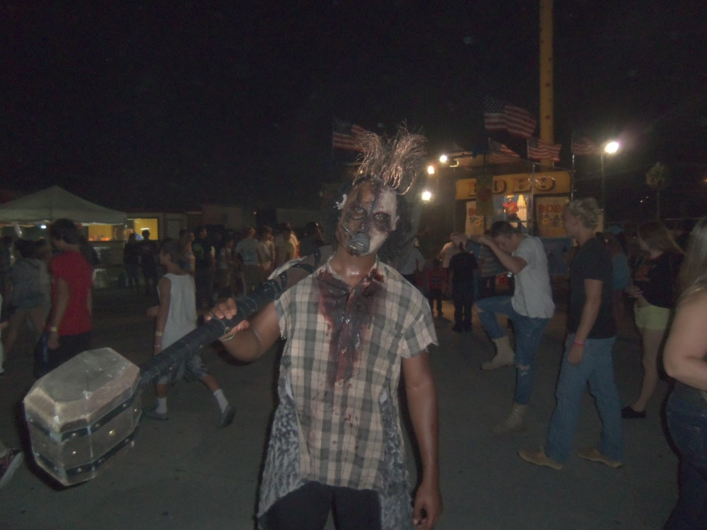 Enjoy a night of fear and fun at Fright Nights at the South Florida Fairgrounds (3/6)